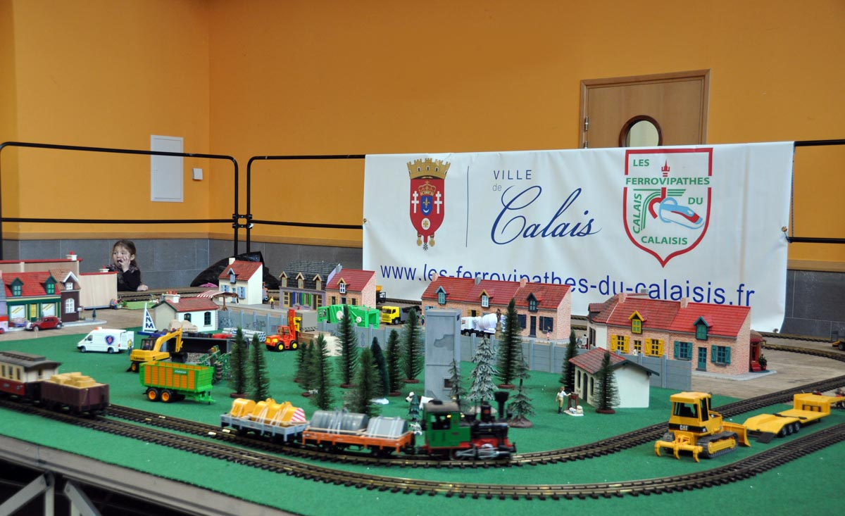 Gros petits trains à Calais début novembre 2014